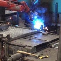 een-lasrobot-last-het-frame-van-de-spiraalbodem