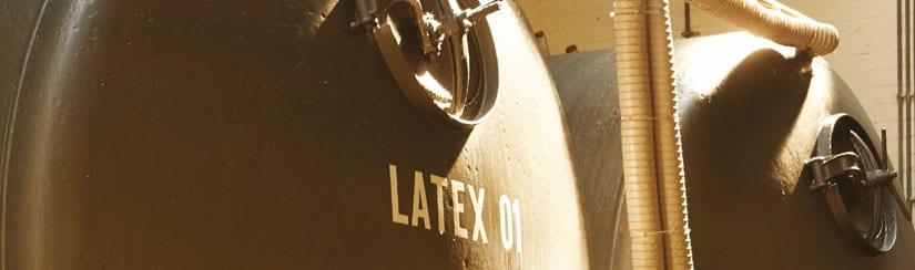 opslagtanks-met-natuurlatex---melksap-van-de-rubberboom