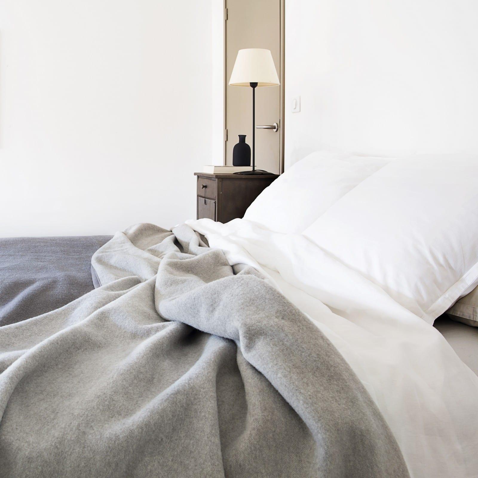 Merinowol-Deken-Camarque-in-de-slaapkamer
