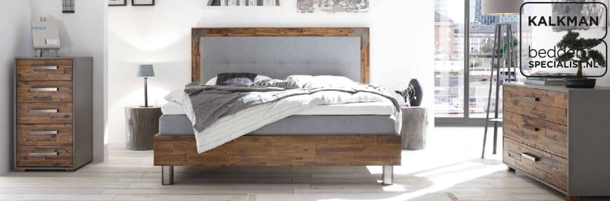 Ledikanten-nachtkastjes-kommodes-bij-beddenspecialist-Kalkman