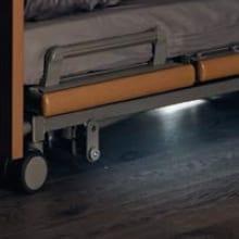verlichting-onder-het-zorgbed-voor-betere-oriëntatie-tijdens-de-nacht